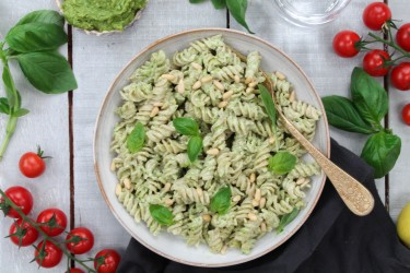Pasta With Simple Cashew Pesto (Vegan, Dairy-Free)